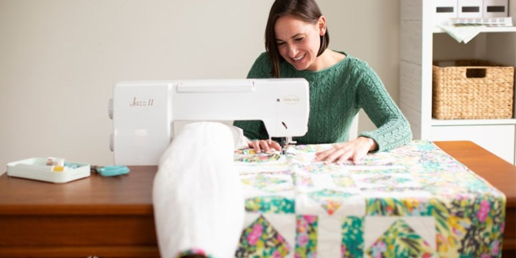 Learn what is the best quilting sewing machine?